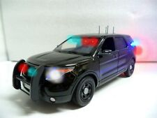 Undercover Police Ford PI SUV Trooper FBI NYPD LAPD 1/18 WORKING Lights & SIREN