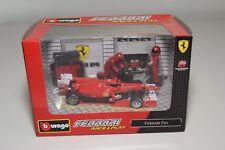 V 1:43 BBURAGO BURAGO RACE&PLAY FERRARI F10 FORMULA 1 F1 RED DIORAMA MIB.