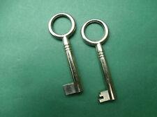 Alte Schlüssel - 2 schöne alte Möbelschlüssel - Schrankschlüssel - Hohlschlüssel