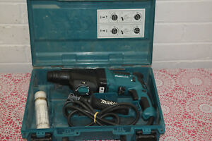 Makita HR2610 3 Mode SDS Plus 26mm Rotary Hammer Drill + Case / Good Condition