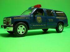 Taylor Made Trucks TMT 2001 CHEVY SUBURBAN NJSPBA NJ POLICE SUV DIE CAST 1/24 F
