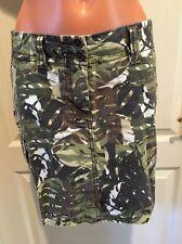 Cabi Cargo Short Mini Skirt Olive Green Driftwood Brown Palm Print Size 2 NWOt