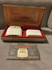 VTG REMINGTON LEKTRONIC ELECTRIC SHAVERS WITH RARE CASE ROLL-A-MATIC untested