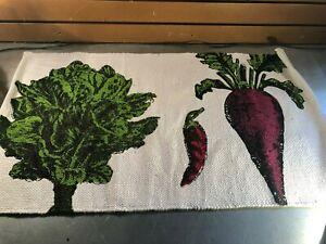 Two's Company White Cotton Floor Mat- Lettuce. Pepper, Radish Design NWT