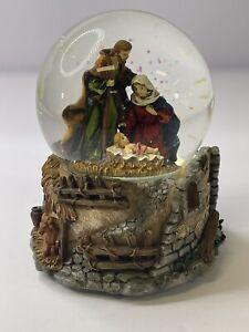 Nativity Musical Snow Globe Stille Nacht