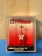 Preiser 28066 HO/ 1:87 Scale Verger with Cross leading Church Procession