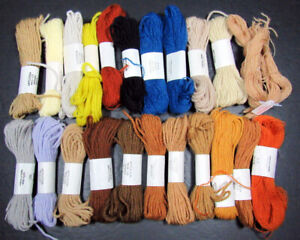 22x Needlepoint/Embroidery THREAD APPLETON Tapestry & Crewel weight wools-IW37