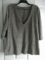 New Women's Shirt V-Neck Blouse Tunic Pull-Over Black-White Large Excellent Cond