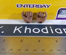 ENTERBAY 1/6 scale Lakers basketball Kobe Bryant Action Figure's closed hands