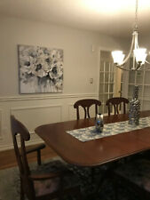 1990s Chippendale mahogany dining table with two extension leaves and six chairs