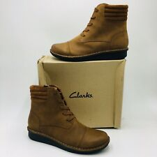 Clarks Collection Women's Michela Fold Leather Lace-Up Ankle Boot Size 11M Tan
