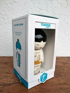 Superbe poupée Japonaise Geisha infuseur a thé en céramique,dans sa boite cadeau