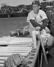 Stan Musial St. Louis Cardinals UNSIGNED 8x10 Photo (B)
