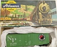 HO scale Athearn Northern Pacific 40' Grain Loading Box car GN 8434  Vintage