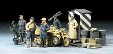 Tamiya German Luftwaffe Crew (Winter) w/Kettenkraftrad 1:48 Scale model Figures
