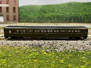 N Scale - Rapido - Osgood Bradley - New Haven 10 Window Coach Car 8238 N3760