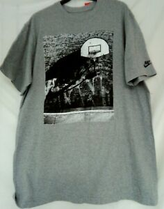 Men's NIKE Tee Shirt Grey with Basketball Design Size XL (New with tags)