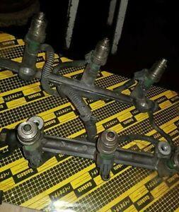 suzuki grand vitara ,chevrolet tracker 2.5 v6 1998-2005 GENUINE fuel injectors