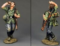 KING & COUNTRY WW2 GERMAN ARMY WS206 SOLDIER DRINKING  MIB