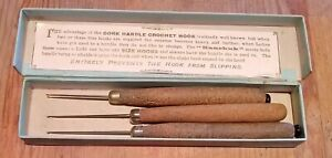 'The Kaurkuk' - Vintage Corked Handled Crochet Hooks (Boxed) Morris & Yeomans