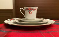"""""""Poinsettia & Ribbons"""" 4 piece PLACE SETTINGS 6 AVAILABLE Plates Saucers Cups"""