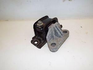 VAUXHALL ADAM 1.4 PETROL FRONT PASSENGER SIDE ENGINE GEARBOX MOUNT 13371838 2013