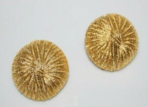 ELEGANT VTG PAOLO GUCCI COUTURE ROUND RIBBED STRAW DESIGN GOLDEN CLIP EARRINGS