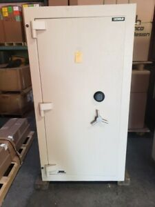 Diebold Safe with Lockers Inside (TL-30)