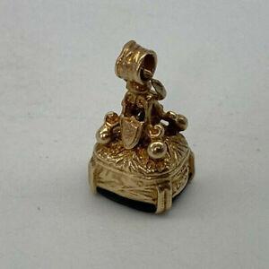 Vintage 9ct Gold Hallmarked Onyx Fob Seal Charm Pendant.  Goldmine Jewellers.