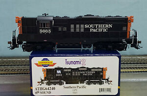 Athearn Genesis #G64240 - HO - Southern Pacific GP9 Cab #5665 w/Sound+DCC