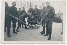 Foto Soldaten Wehrmacht  mit Schlitten-Orden 2.WK (b232)