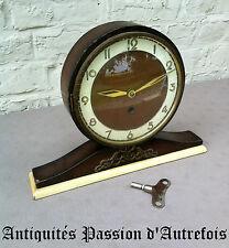 B20131211 - Horloge en bois Bassclock - Ne fonctionne pas - Dans son jus