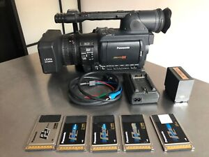 Camara video hd Panasonic AG-HVX200 + Tarjeta P2 64 Gb + 3 tarjetas P2 16 Gb