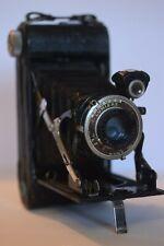 Ancien appareil photo à soufflet LUMIÈRE F105 anastigmat vintage bellows camera