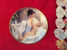 "Avon ""Held In Loving Arms"" Mother's Day 2003 Collectible Plate Vintage Beautiful"