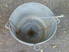 ancien seau arrosoir système de douche à suspendre en zinc , déco jardin collect