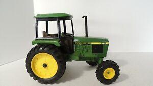 Ertl: John Deere 2755 Tractor 1:16