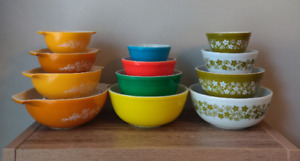 Pyrex Bowl Display Stands Supports - Now for Cinderella too!! No Bowls included