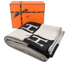 NEW 100% AUTHENTIC HERMES LARGE GREY/ECRU WOOL CASHMERE H AVALON BLANKET THROW