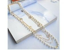 Collier fantaisie - Fleurs de Camélia et perles blanches