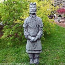 Gartenfiguren & -skulpturen aus Steinguss mit Fantasiefiguren Frostfrei