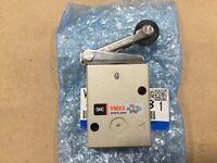 New SMC VM230-02-01 Roller Lever Pneumatic Manual Control Valve #015D8