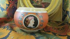 ancien vase coupe en opaline peinte a decor de profils renaissance epok XIXe