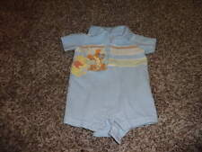 THE DISNEY STORE BABY 0-3 WINNIE THE POOH ROMPER OUTFIT BOYS