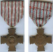 Médaille - Croix du combattant BR + poinçon corne à l'arrière