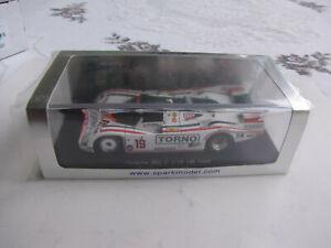 Porsche 956 / 107 - n° 19 - Le Mans 1985 - Spark S1960 - 1/43 ème