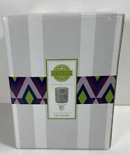 Scentsy Plug In Warmer Lily Garden New in Box