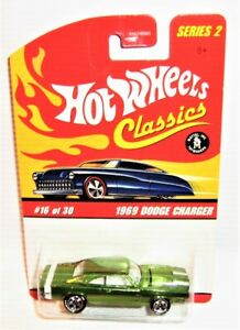 Hot wheels Classics Series 2 1969 Dodge Charger Green/White Stripes New/Card