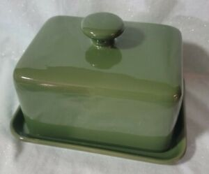 CIROA GREEN STONEWARE LARGE COVERED BUTTER OR CHEESE DISH USED