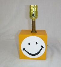 Vtg Mid Century 60s 70s MOD Yellow Acrylic Smiley Face Small Table Accent Lamp